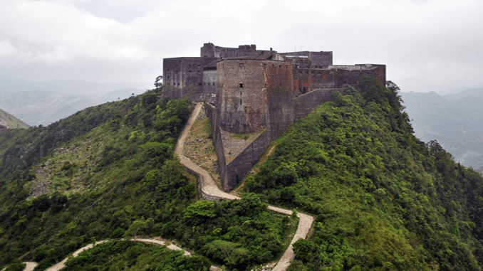 Citadelle_Laferriere_Aerial_View678x381